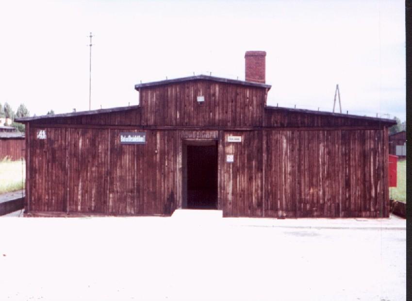 Chambre à gaz en bois à Majdanek